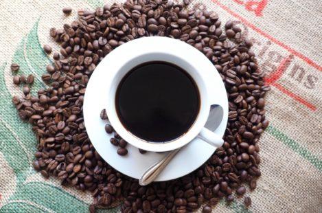 眠れないのはコーヒーのせい カフェインレスコーヒーを取り入れようと思った