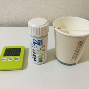 尿が泡立つので自分で尿検査 蛋白尿?